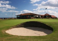 Nairn golf club, finest courses, nairn 18th green, nairn clubhouse