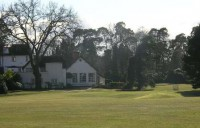 Clubhouse behind 18th green, new zealand golf club, finest courses